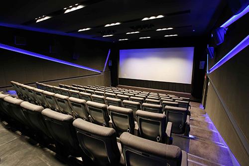 最新の音響設備でフィルム上映が楽しめるのも、神保町シアターならでは。
